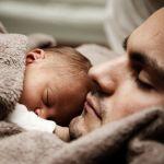 Essere padre oggi, tra retaggi culturali e fatiche